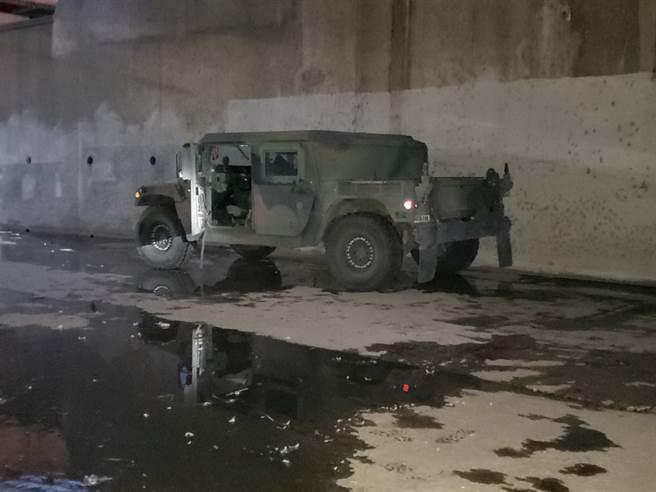 FBI找到加州國民警衛隊所失竊的悍馬車。(圖/FBI)