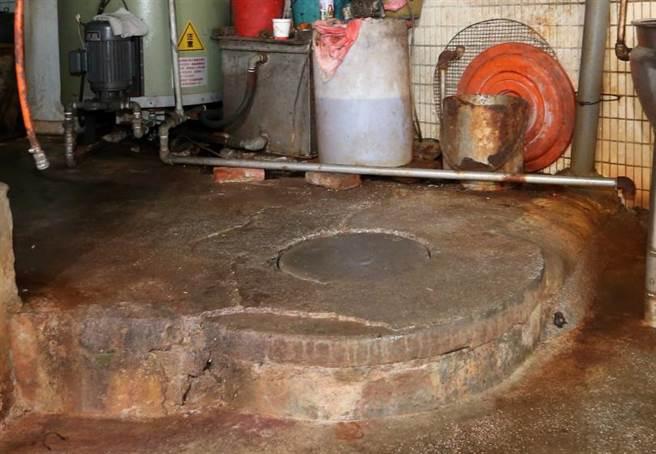 檢警一度懷疑死者遭分屍後被沖入化糞池。