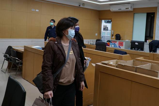 綺瑩資訊公司協理馬蓉芳以50萬元交保。(張孝義攝)