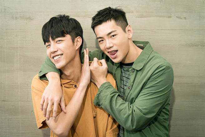 同门的蔡凡熙(左)、禾浩辰首度合作戏剧。(羚邦集团提供)