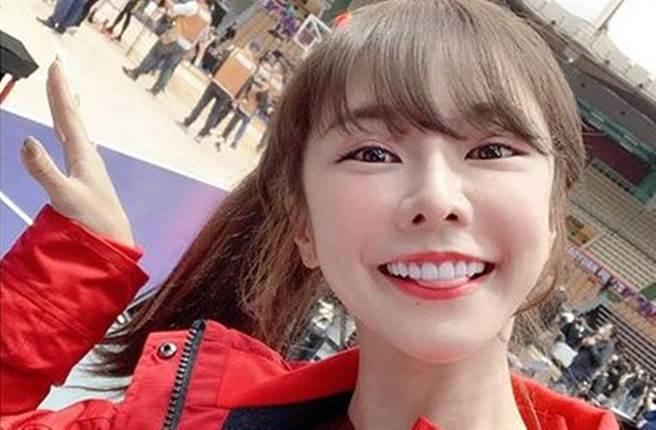 「乐天女孩」队长巫苡萱人气相当高。(图/avawu0726 IG)