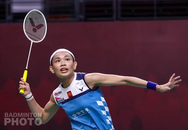 戴資穎在泰國羽球公開賽8強戰上演逆轉秀,後來居上拍落李文珊晉級4強。(Badminton Photo提供)