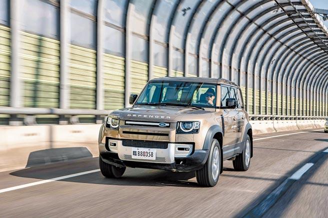 New Land Rover Defender正式導入,售價267萬起。亮眼造型和強悍越野性又更拉高SUV的勢頭。圖/業者提供