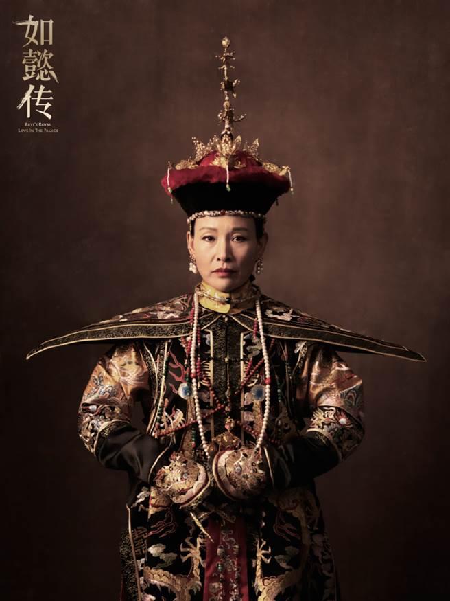 陈冲在《如懿传》与邬君梅对手戏精彩万分。(取自电视剧如懿传微博)