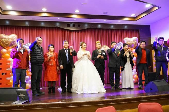 32歲藝人徐紫淇22日嫁入金門望族。(萬鴻提供)