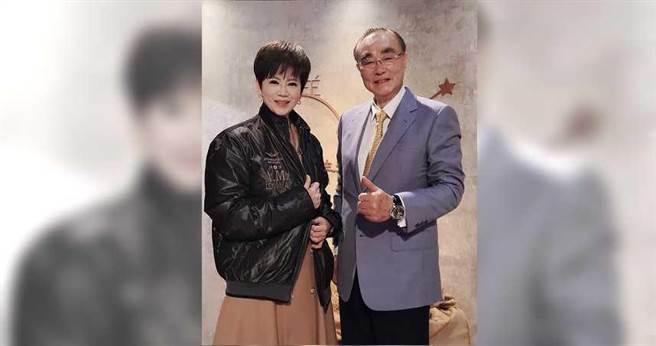 退輔會主委馮世寬(右),接受《我是救星》主持人陳雅琳專訪。(圖/壹電視提供)