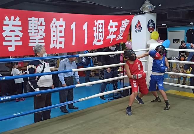 鷹雄拳擊館11周年慶舉辦表演賽。(中華職業拳協提供)