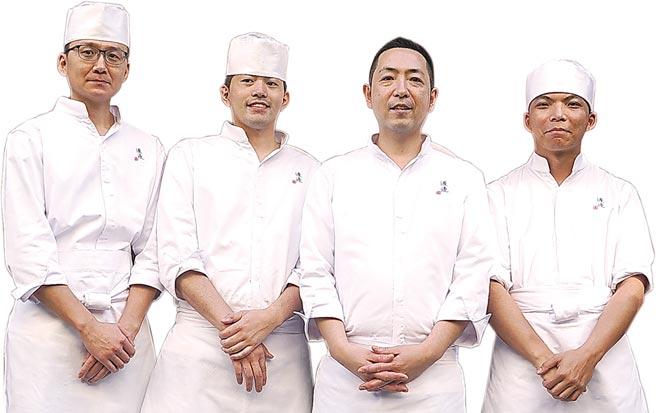 因欣赏渡邉信介(右二)精湛厨艺,萧敬腾以〈渡邉〉为名开设日本料理餐厅,如今订位已接到2月。图/姚舜