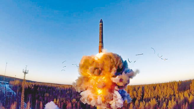 9月9日,一枚陸基洲際彈道飛彈從俄羅斯西北部的普列塞茨克發射。(美聯社)