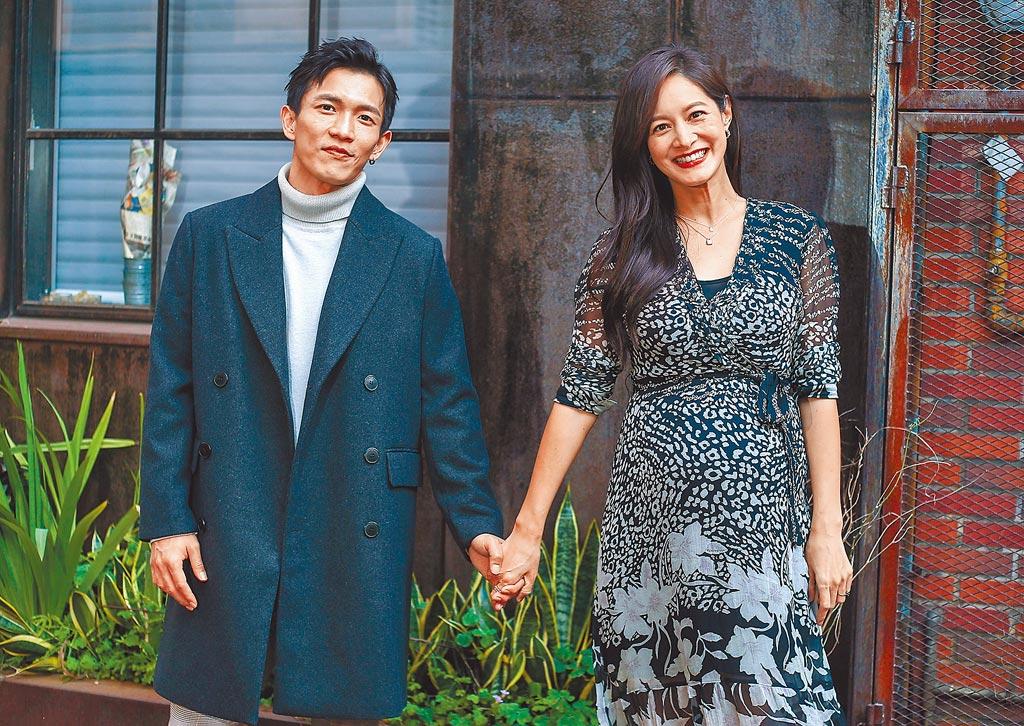 黃尚禾(左)與Janet劇中是怨偶,戲外是好友。(粘耿豪攝)