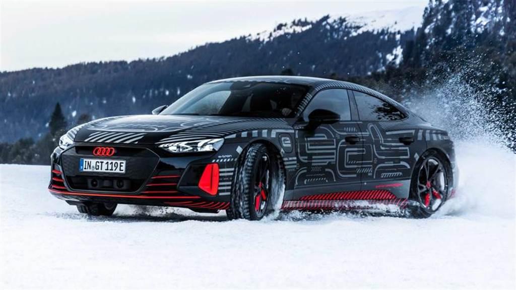 最大 700 匹馬力 + 四輪轉向系統,Audi e-Tron GT 電動跑車將於 2 月 9 日正式亮相