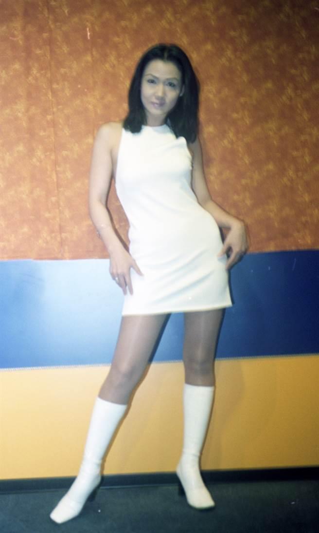 年轻时期孟庭丽外型出眾,因此戏约不断,照片为第四届角色影展。(卢祎祺摄)
