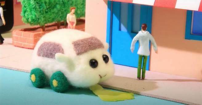 「天竺鼠車車」融入了富含教育意義的省思。(截自木棉花Youtube頻道)