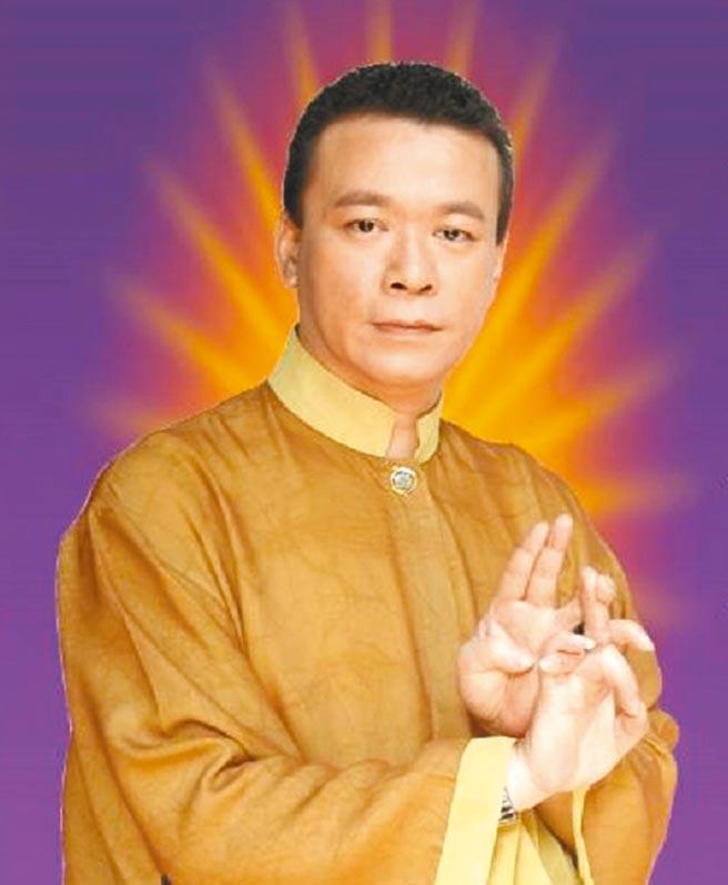 60歲知名命理老師朱峰靖24日被同居女友發現昏迷,送醫急救仍宣告不治。(取自朱峰靖臉書)
