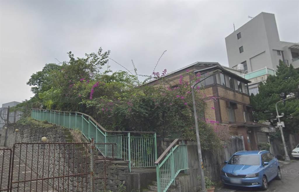 藝人羅志祥小豬的家「文心AIT」大湖公園一帶,一間老透天以總價9600萬元出售。(翻攝自Google街景)