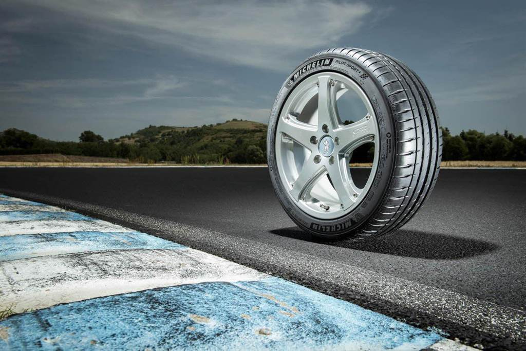 台灣米其林輪胎將以Pilot Sport 系列產品首度投身台灣正規賽車運動,贊助麗寶國際賽車場舉辦之賽事活動(圖為Ford Focus ST-Line原廠配置的米其林Pilot Sport 4)。