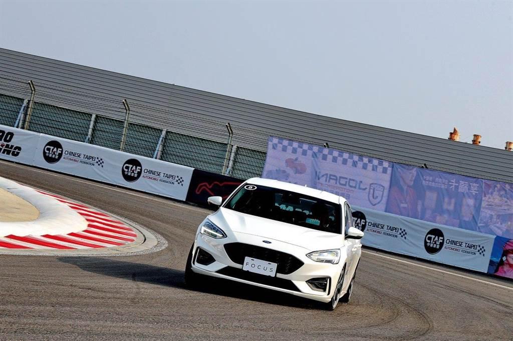 睽違多年,國內再度有汽車大廠冠名贊助賽車比賽。Ford Focus麗寶挑戰賽深受矚目。