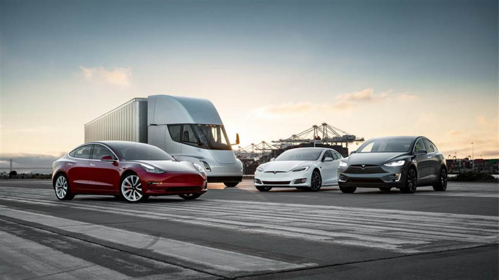 美國總統帶頭衝:拜登下令政府車隊全數換購電動車,總數上看 64.5 萬輛