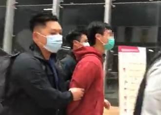 港警夜襲中文大學 3學生涉非法集結、襲擊他人遭逮