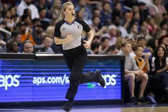 NBA》魔術主場迎戰黃蜂 兩女性裁判同場吹判創歷史