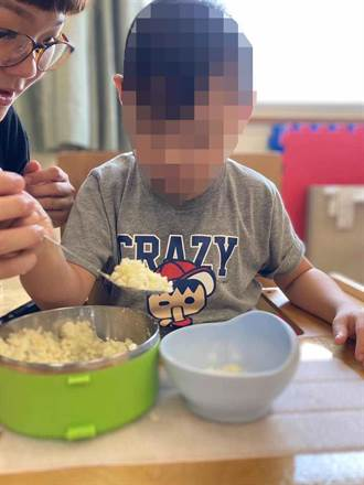 早療童從不會走路到推著助行器走 還會做馬鈴薯料理