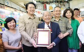 基隆自立書店創辦人陳上惠辭世 林右昌親自拈香悼念