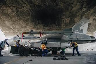 空軍首秀IDF掛萬劍彈 射程可達200公里