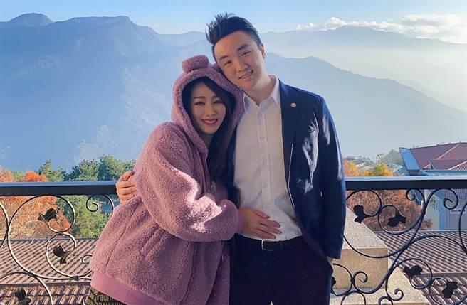 林佩瑶前年底和「冠军名厨」武俊杰结婚。(图/翻摄自脸书)