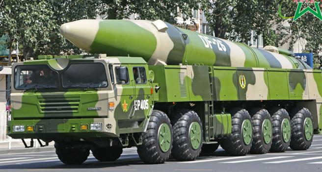 美國衛星公司馬薩爾科技(Maxar Technologies)的衛星圖像顯示,解放軍部署了許多東風-26發射車在山東省的訓練場。(中國軍網)