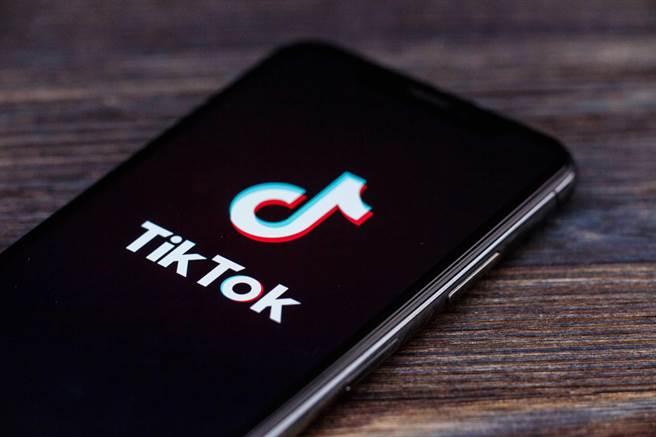 印度传出官方将于6月永久禁止TikTok等59款中国APP。(shutterstock)