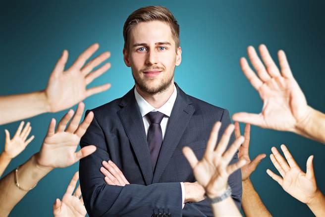 運勢命理網站「生肖運勢天天看」點名以下5個生肖,這輩子事業運非常旺,工作容易取得成功。(示意圖/shutterstock)