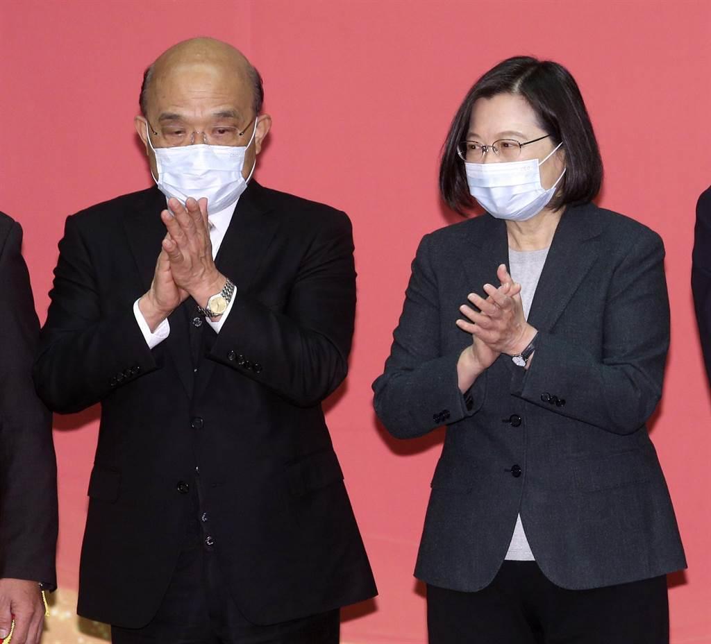 行政院長蘇貞昌(左)。(資料照/黃世麒攝)