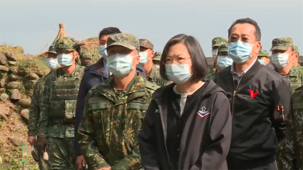 藍營網友戲稱「蔡民選代表視察陽明山特戰指揮部北部部隊」。(圖/臉書影片截圖)