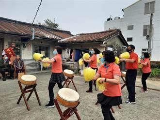 台南高齡70歲阿嬤快閃表演 為獨居老人慶新年