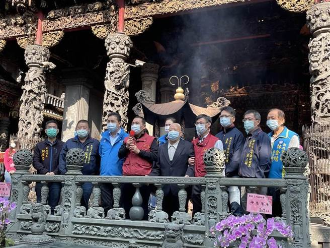 新北春節18間宮廟活動取消,法鼓山除夕撞鐘改採線上直播。(本報資料照)