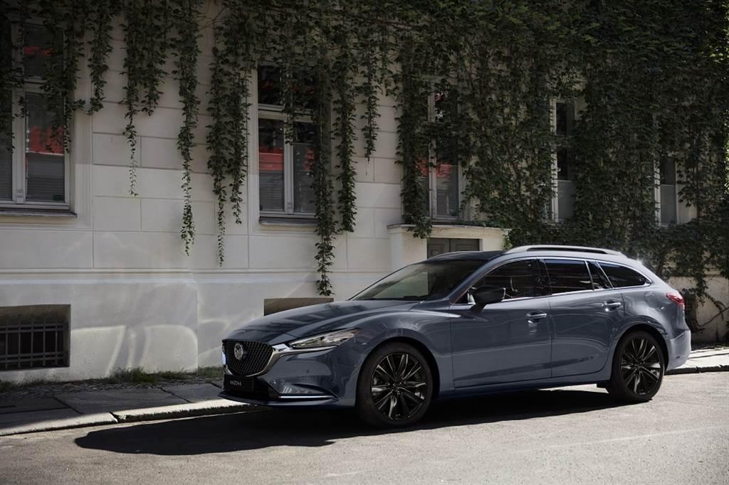 MAZDA6 Wagon黑艷版於19吋鋁合金輪圈及車外後視鏡注入黑色元素,打造性格更加強烈的運動氛圍。