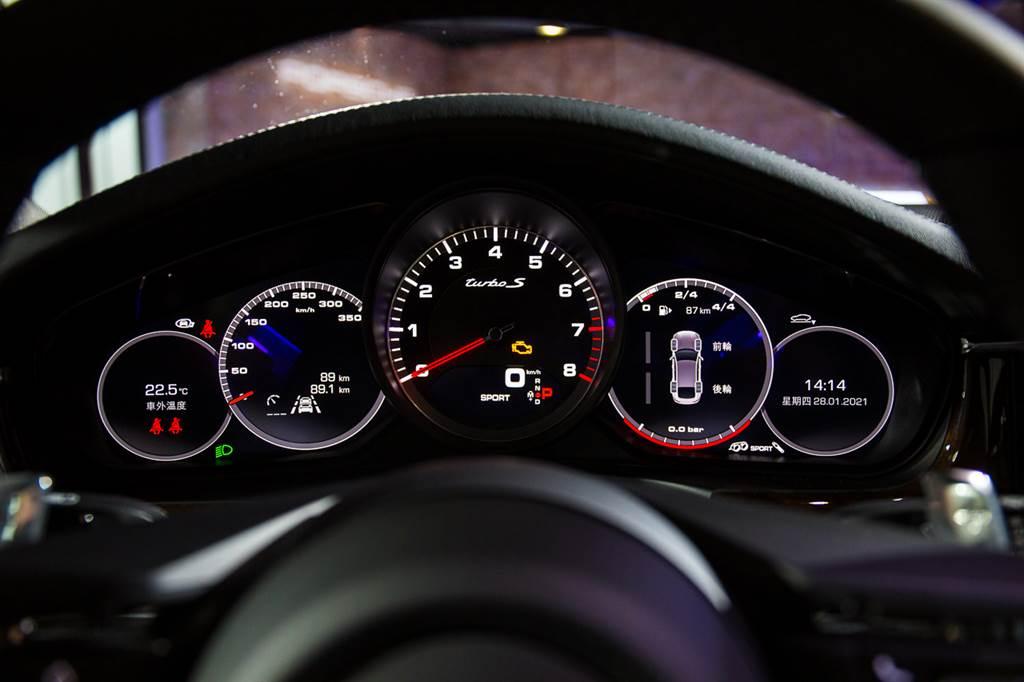 Porsche Panamera改款車型正式抵台 售價499萬元起