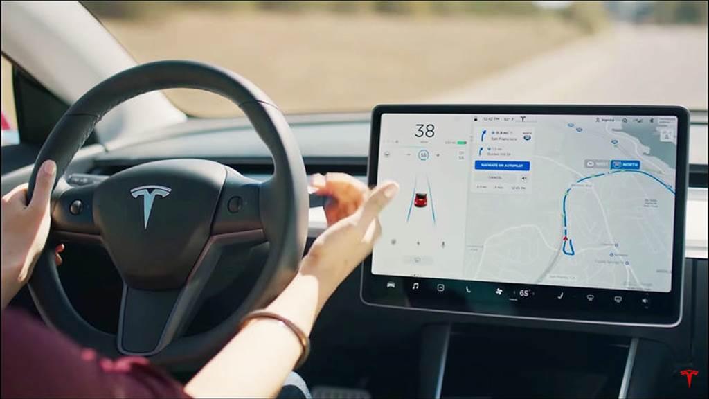 特斯拉自駕技術開放有譜!馬斯克:已與其他車廠洽談 Autopilot 合作,沒有獨佔的打算