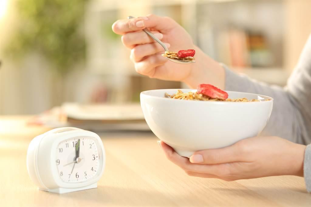 養生風氣盛行,不少人都會吃健康餐或舒肥系列來減重。(示意圖/達志影像)
