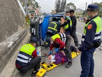 苗栗台3線小貨車翻覆  2人受困消防人員搶救中