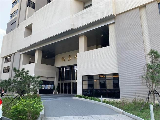 新北市淡水一名妇人全裸大闹健身房,士林地检署依公然侮辱、伤害以及公然猥亵罪提起公诉。(图:本报资料照)