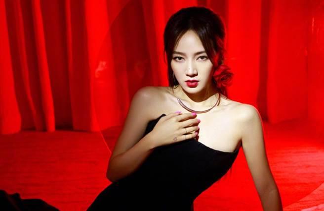 孟佳是韓團「miss A」出身。(圖/翻攝自微博)