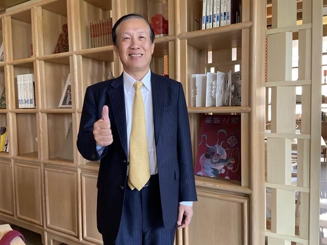 全國商總主席、鄉林集團董事長賴正鎰,看好房地產還有三到五年榮景。(盧金足攝)