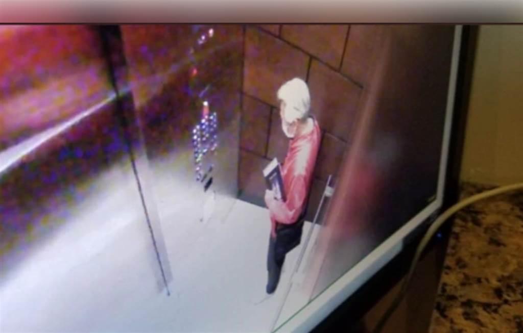 黄芳彦住处的电梯监视器拍下他生前最后身影。(图/翻摄自网路)