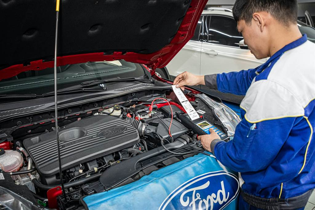 無論是採用什麼動力系統的車款,在低溫天氣中行駛都會讓車載電系在運作上比一般日常使用負載更大,車主需留意電瓶的狀況。