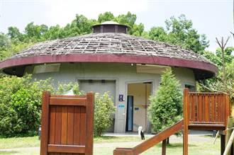 可惡!東勢客家文化園區廁所遭破壞 宛如爆炸現場