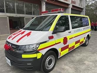500公尺外看得到 台南首輛巴騰堡格紋救護車上路