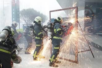 強化大賣場臨災應變能力 北市消防局動員400人逼真演練