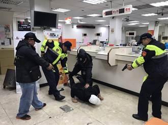 落實防搶演練 龍潭、楊梅警分局鎖定農會宣導安全觀念