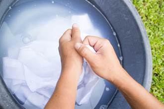 人妻怨老公洗衣服太节省 网一看直喊母汤:快吐了